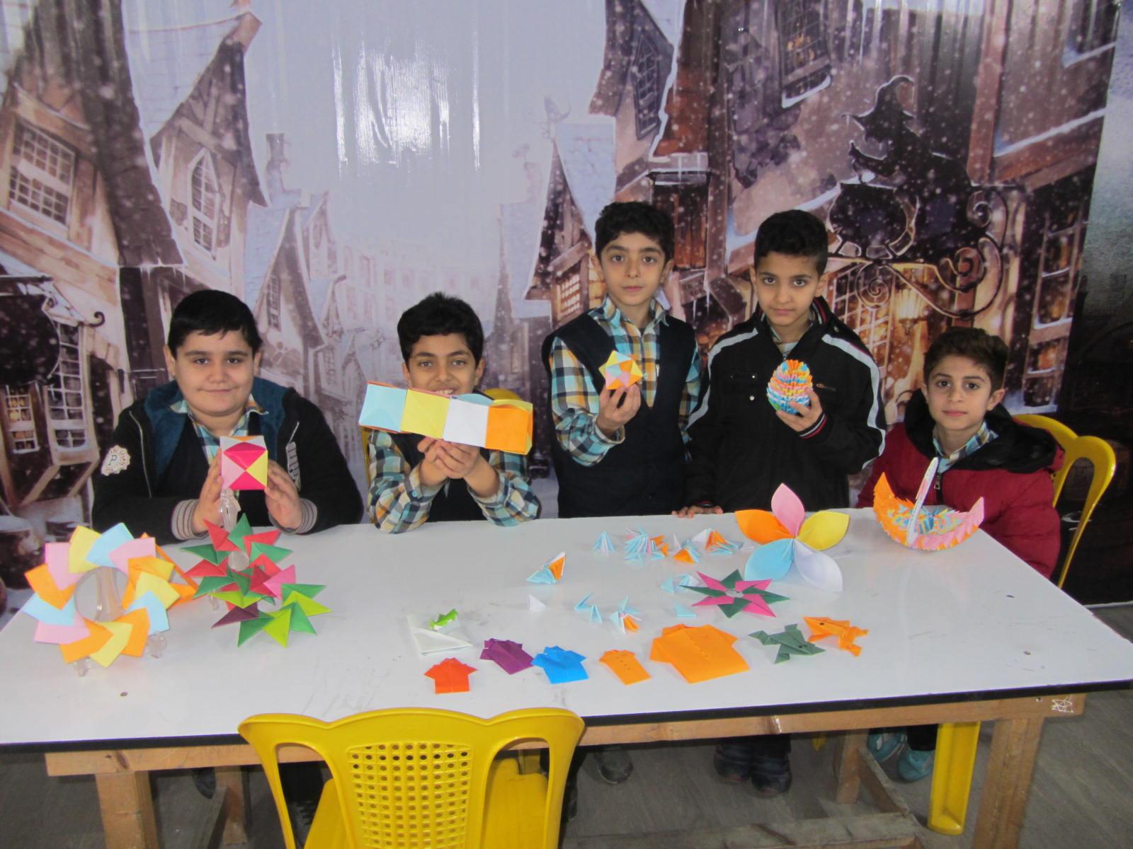 طراحی و ابداعات دانش آموزان دبستان فروغ دانش