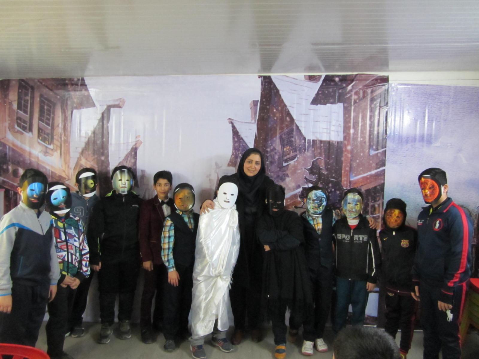 کارگاه قصه گویی در دبستان فروغ دانش برگزار شد.