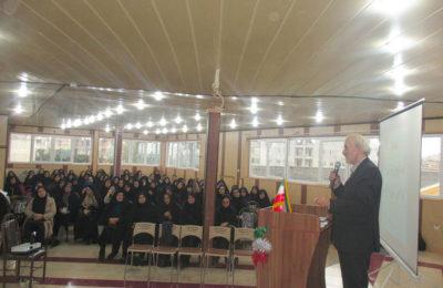 برگزاری جلسه معاونین و مربیان پرورشی شهرستان آمل در سالن  آمفی تئاتر دبستان