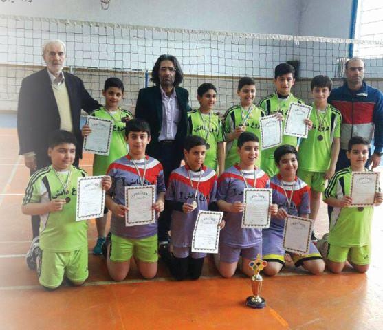 درخشش تیم والیبال دبستان و کسب مقام سوم مسابقات آموزشگاه های آمل